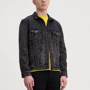 Men's Levi Trucker Jacket w/ nylon upper